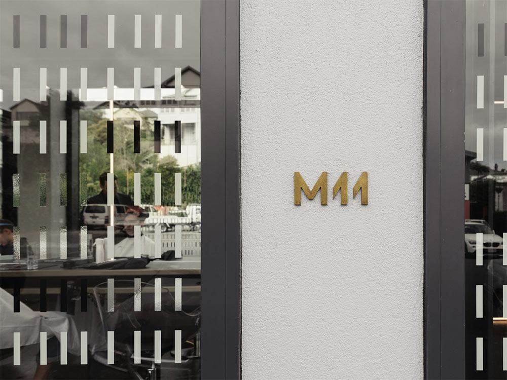 M11 logo