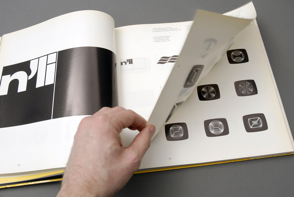 Signet Signal Symbol book