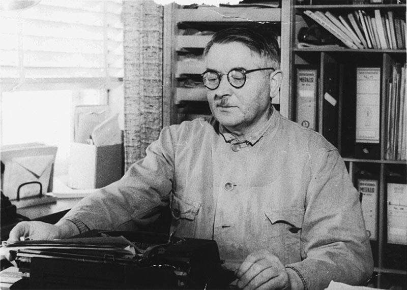 Ole Kirk Christiansen 1934